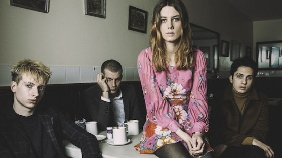 wolf alice moaning lisa smile